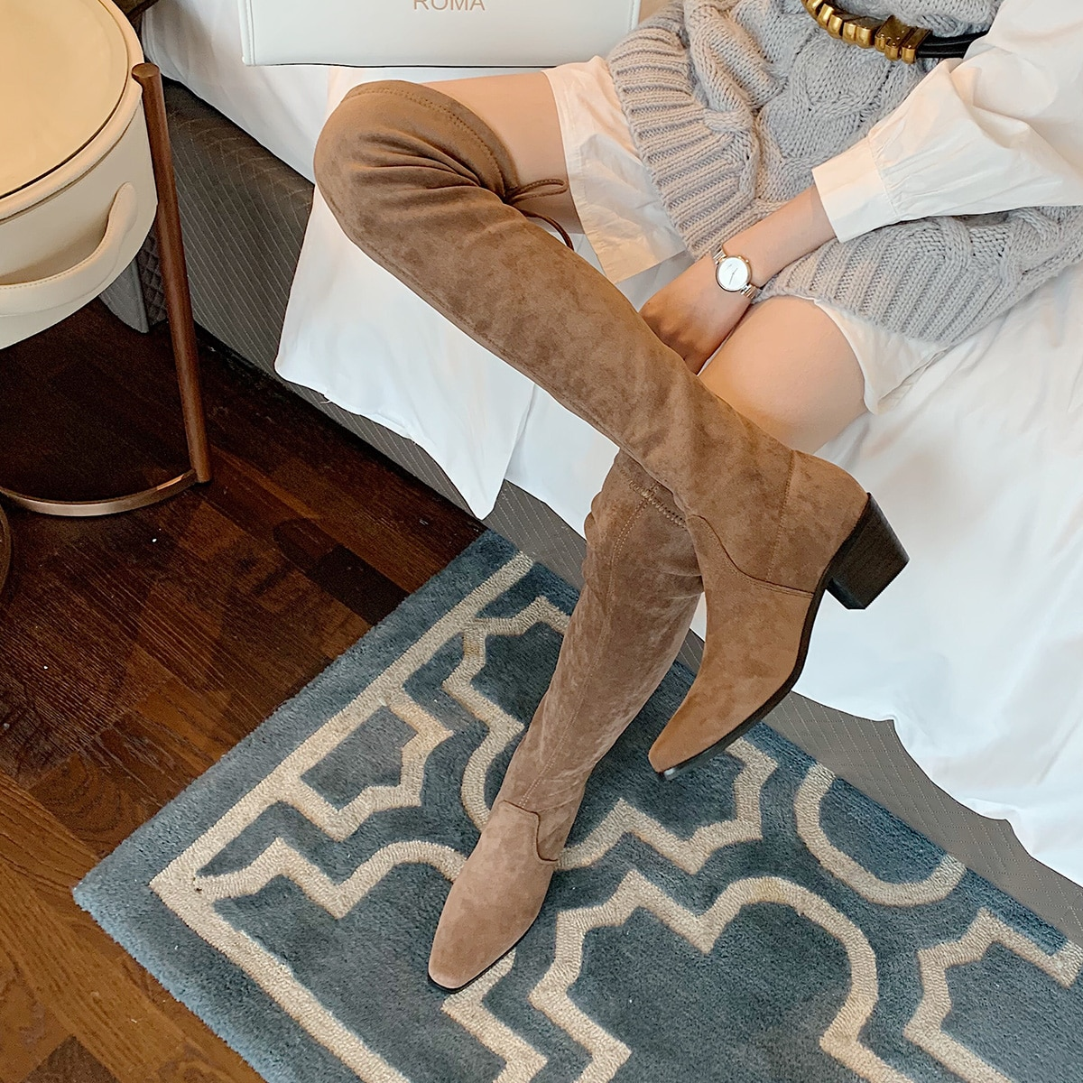Замшевые сапоги выше колена с квадратным носком