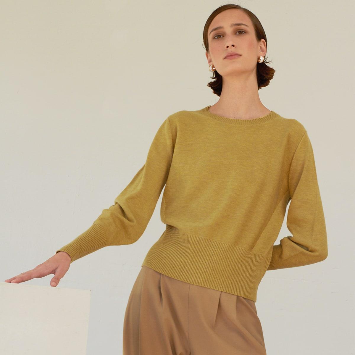 Вязаный свитер из шерсти