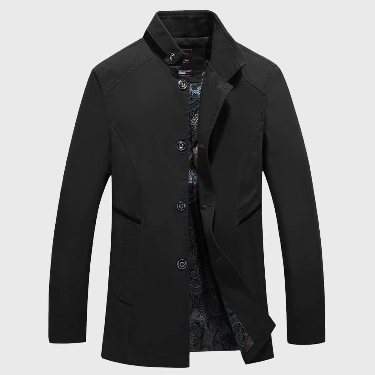 Мужское пальто с пуговицами