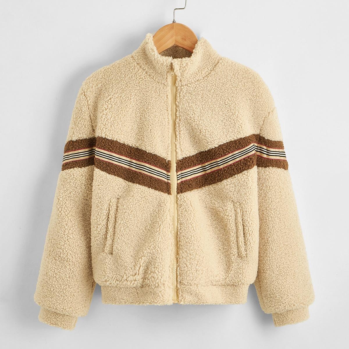 Контрастная плюшевая куртка для мальчиков