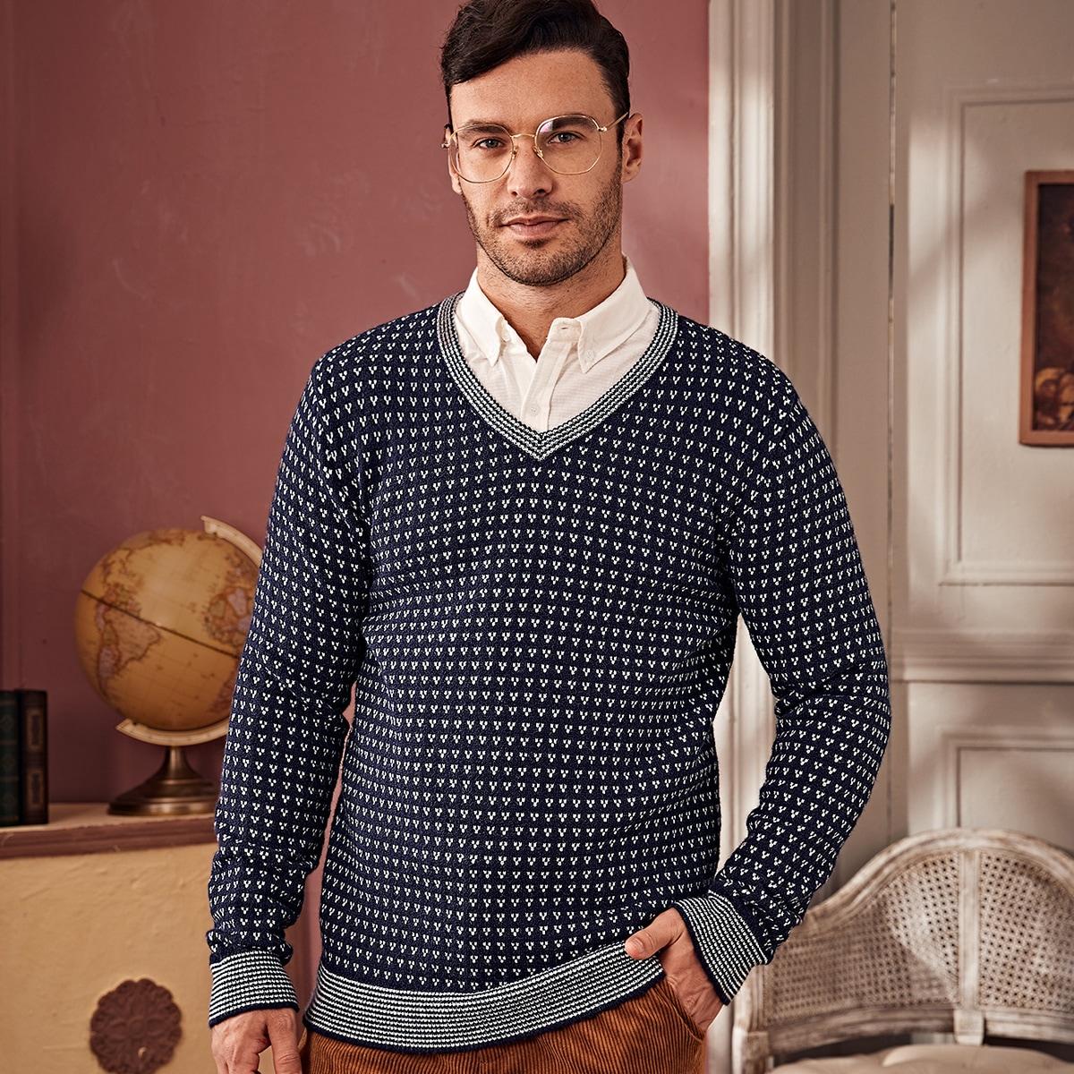 Мужской свитер с v-образным вырезом и узором