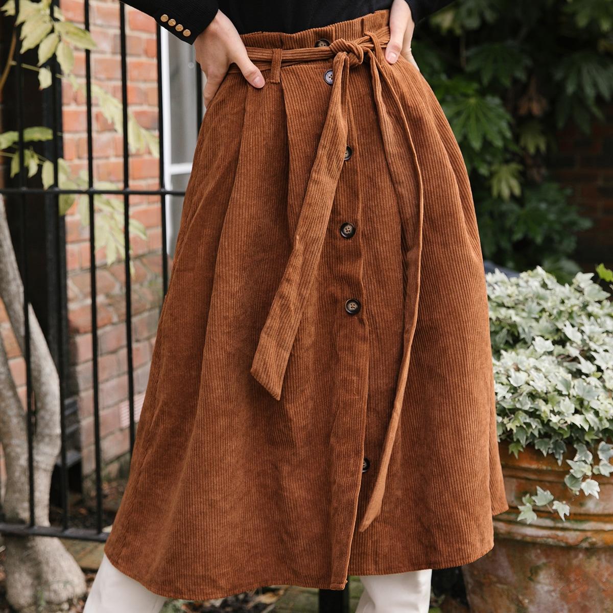 Вельветовая юбка с поясом и пуговицами