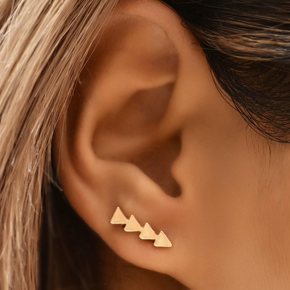 Треугольные серьги-гвоздики