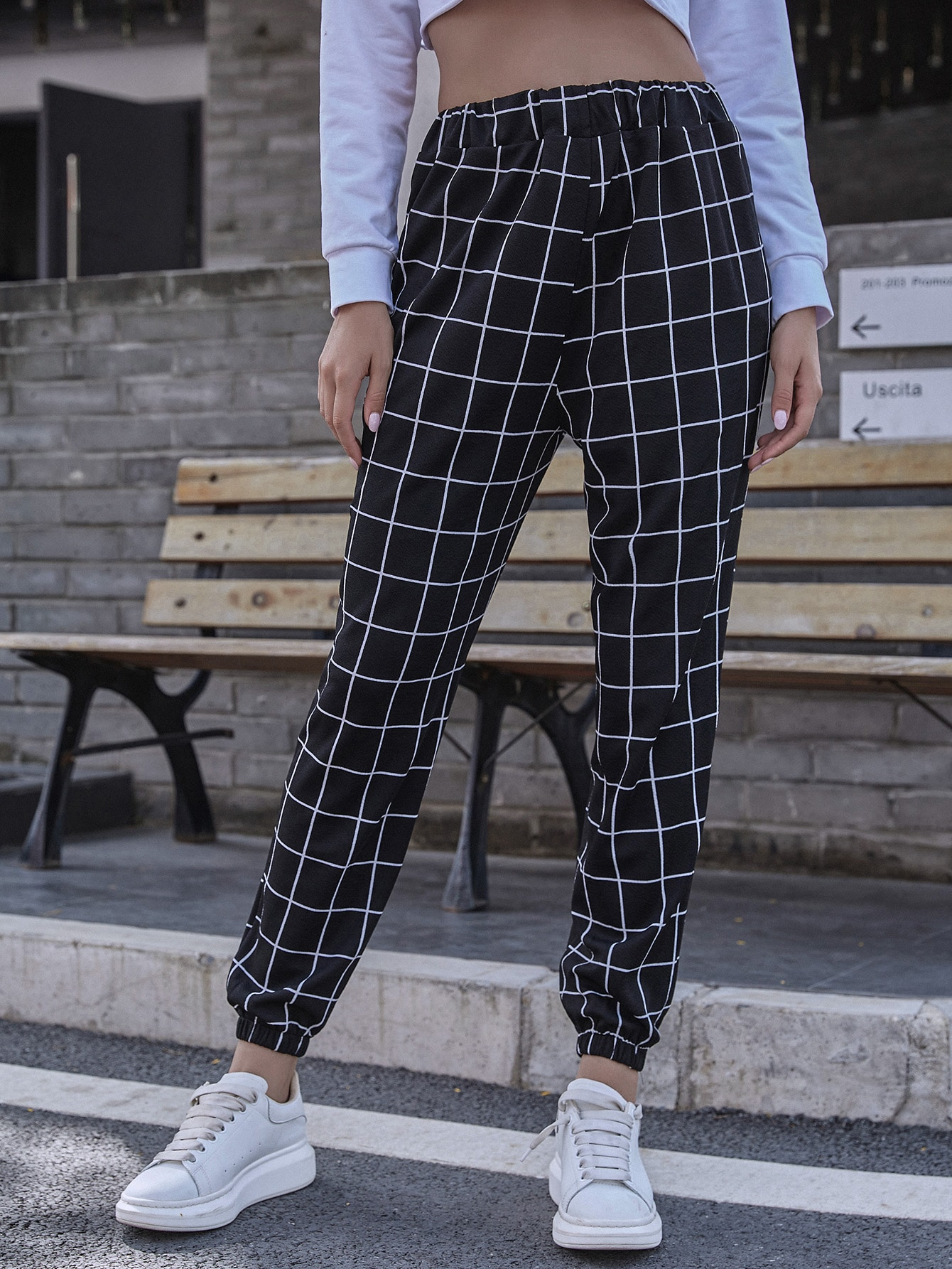 Elastic Cuff Plaid Sweatpants thumbnail