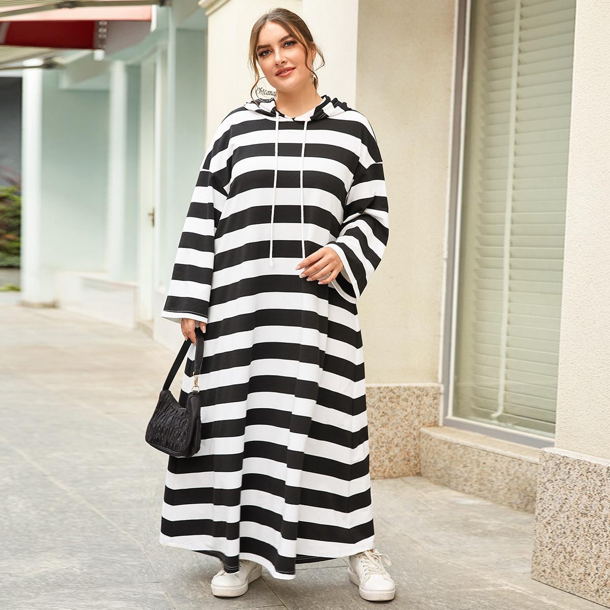 Платье-свитшот размера плюс с капюшоном на кулиске в полоску