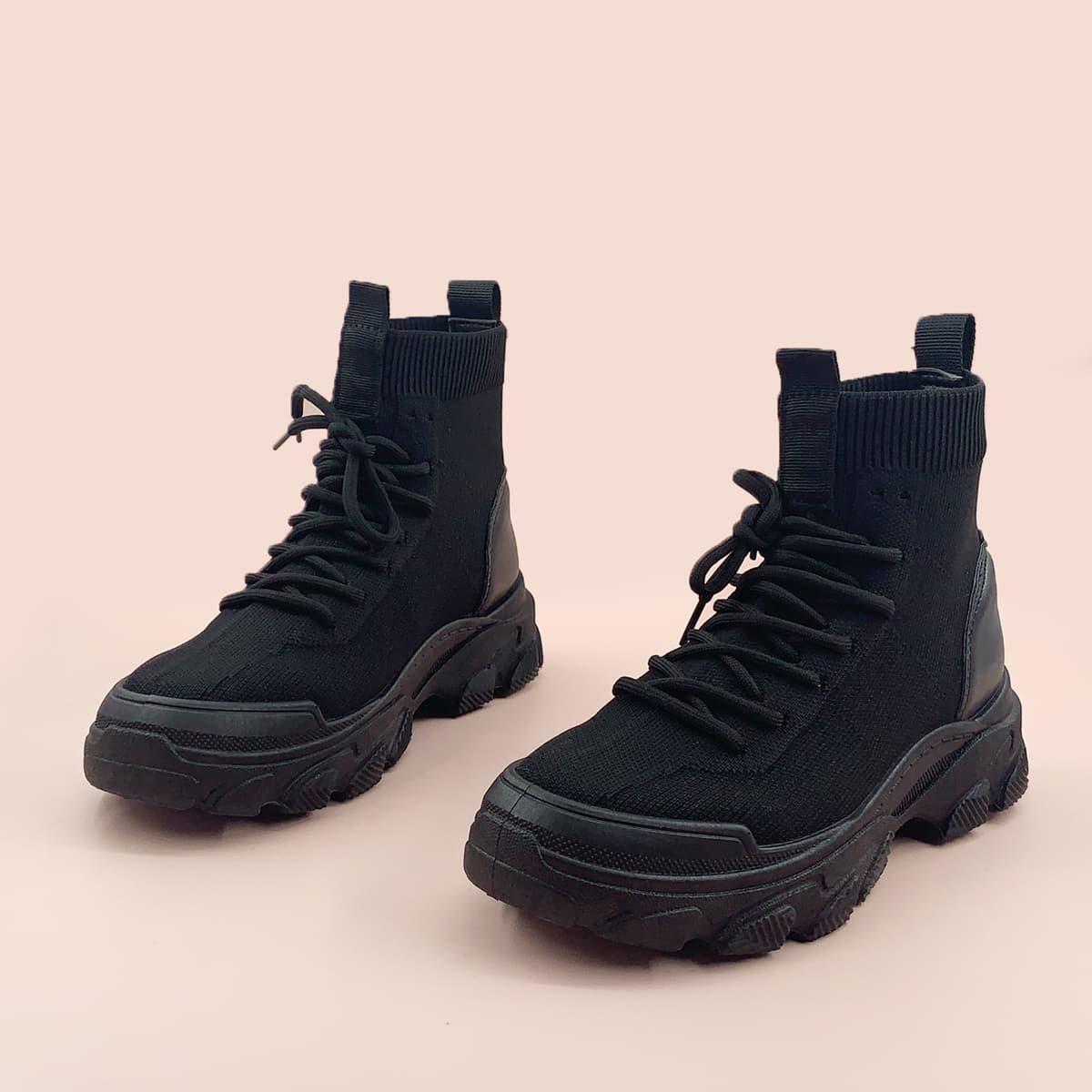 Ботильоны на шнурках