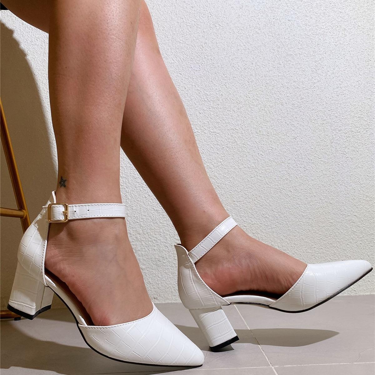 Туфли на среднем каблуке с крокодиловым тиснением