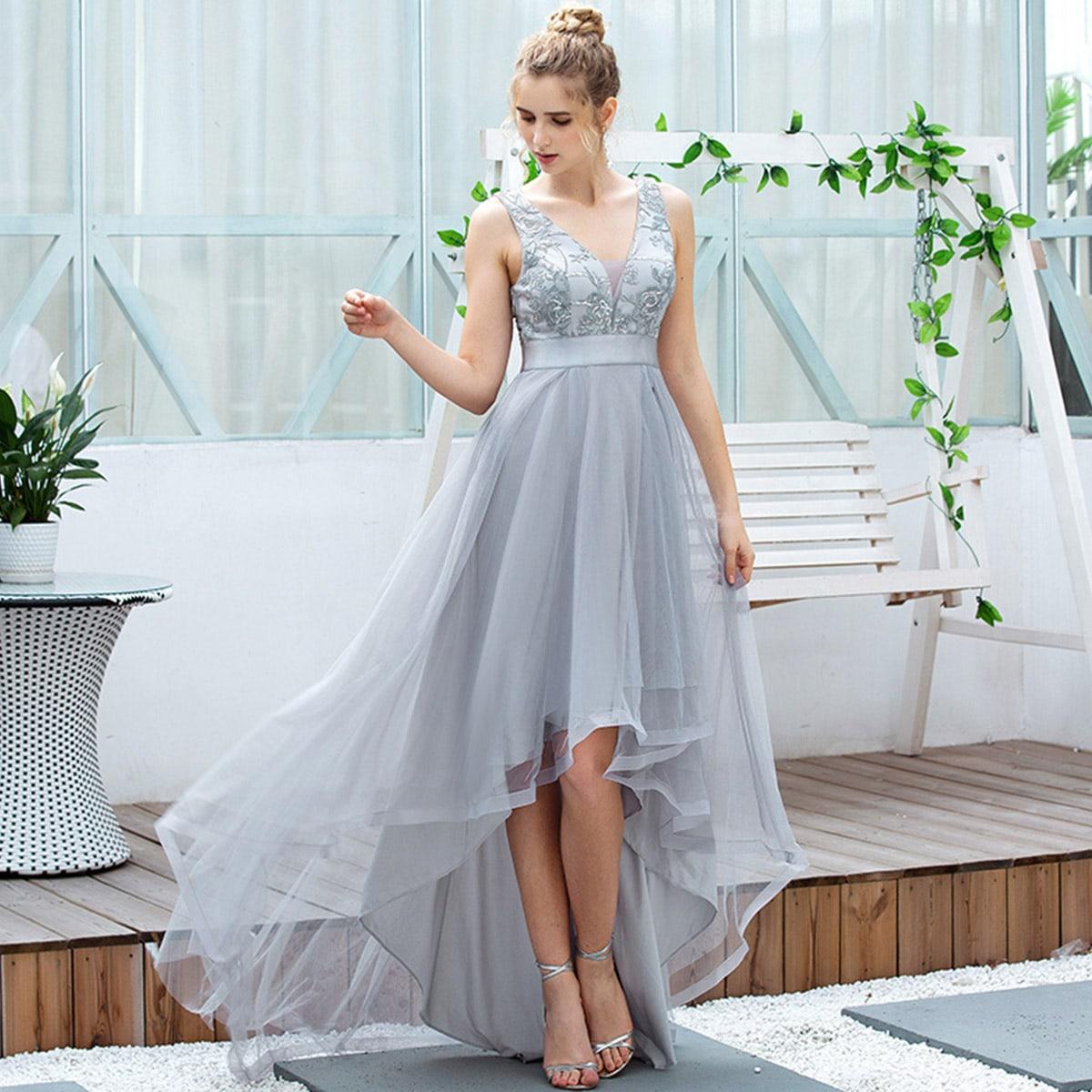 Асимметричное сетчатое платье с v-образными воротником