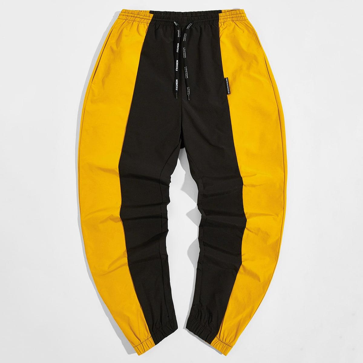 На кулиске контрастный спортивный мужские брюки