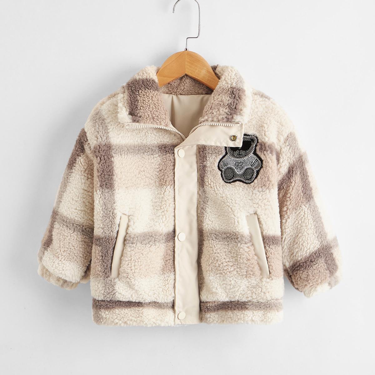 Плюшевая куртка в клетку с мультипликационной заплатой для мальчиков