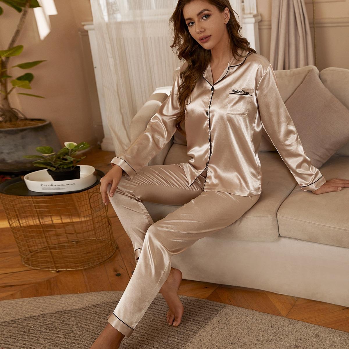Атласная пижама с вышивкой