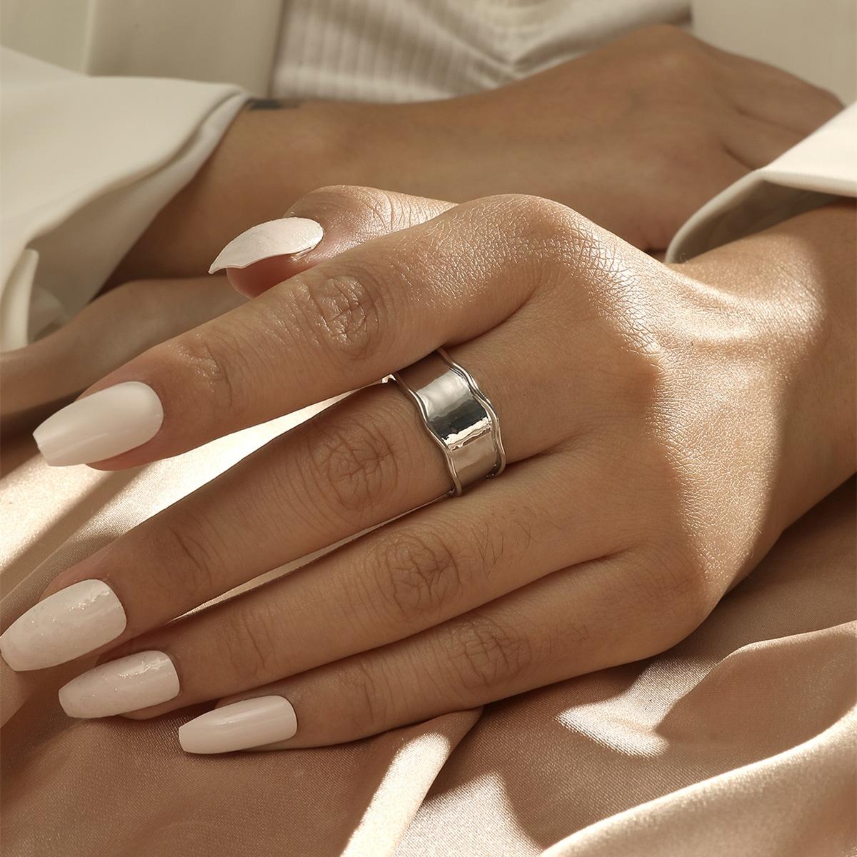 Однотонное кольцо