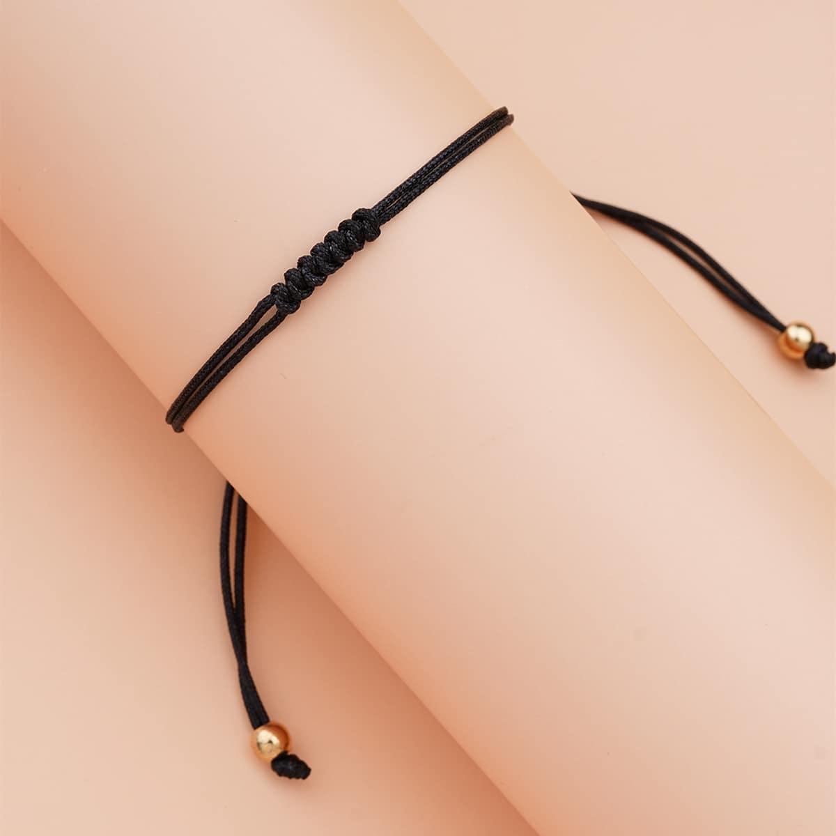 Минималистский плетеный браслет
