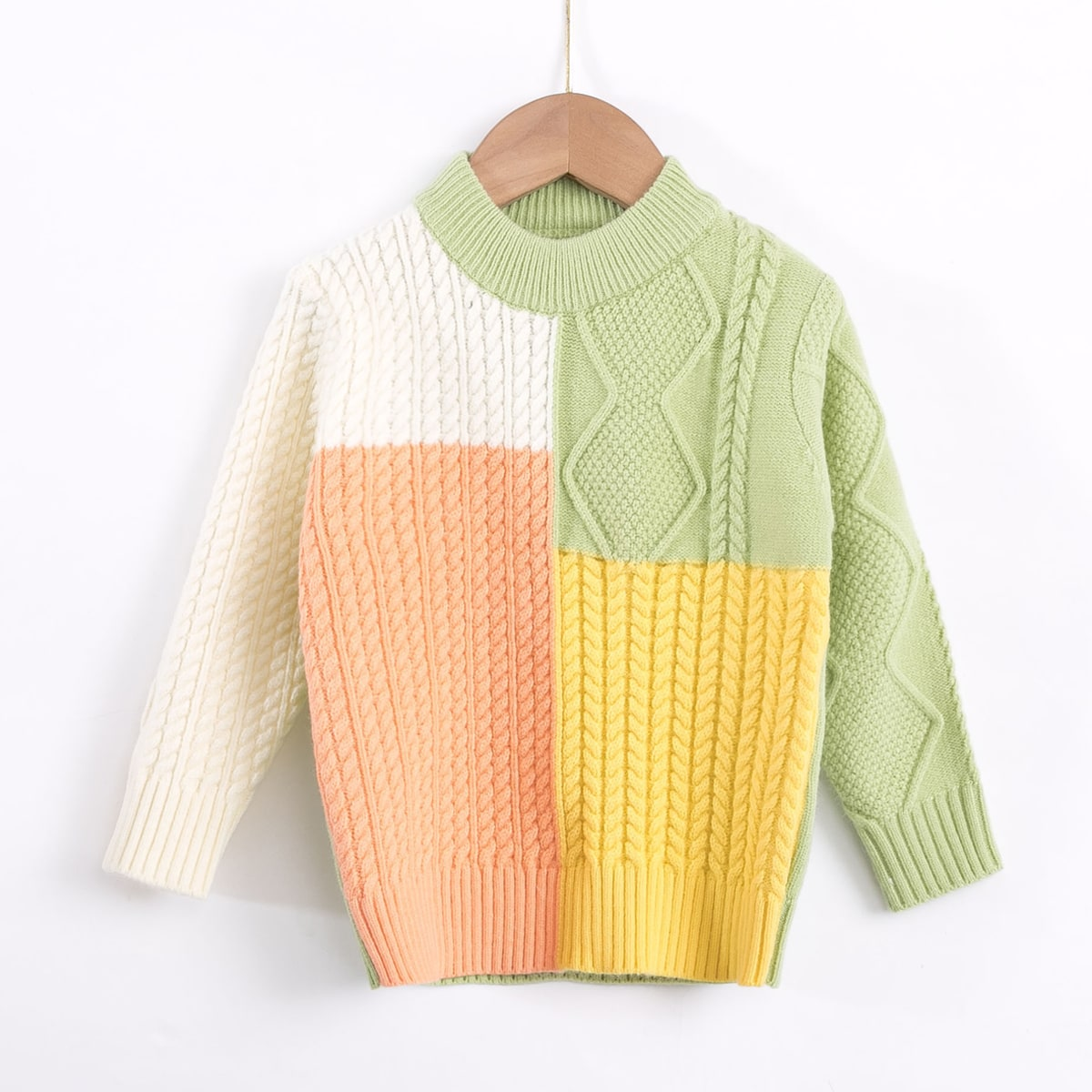 Контрастный трикотажный свитер для девочек