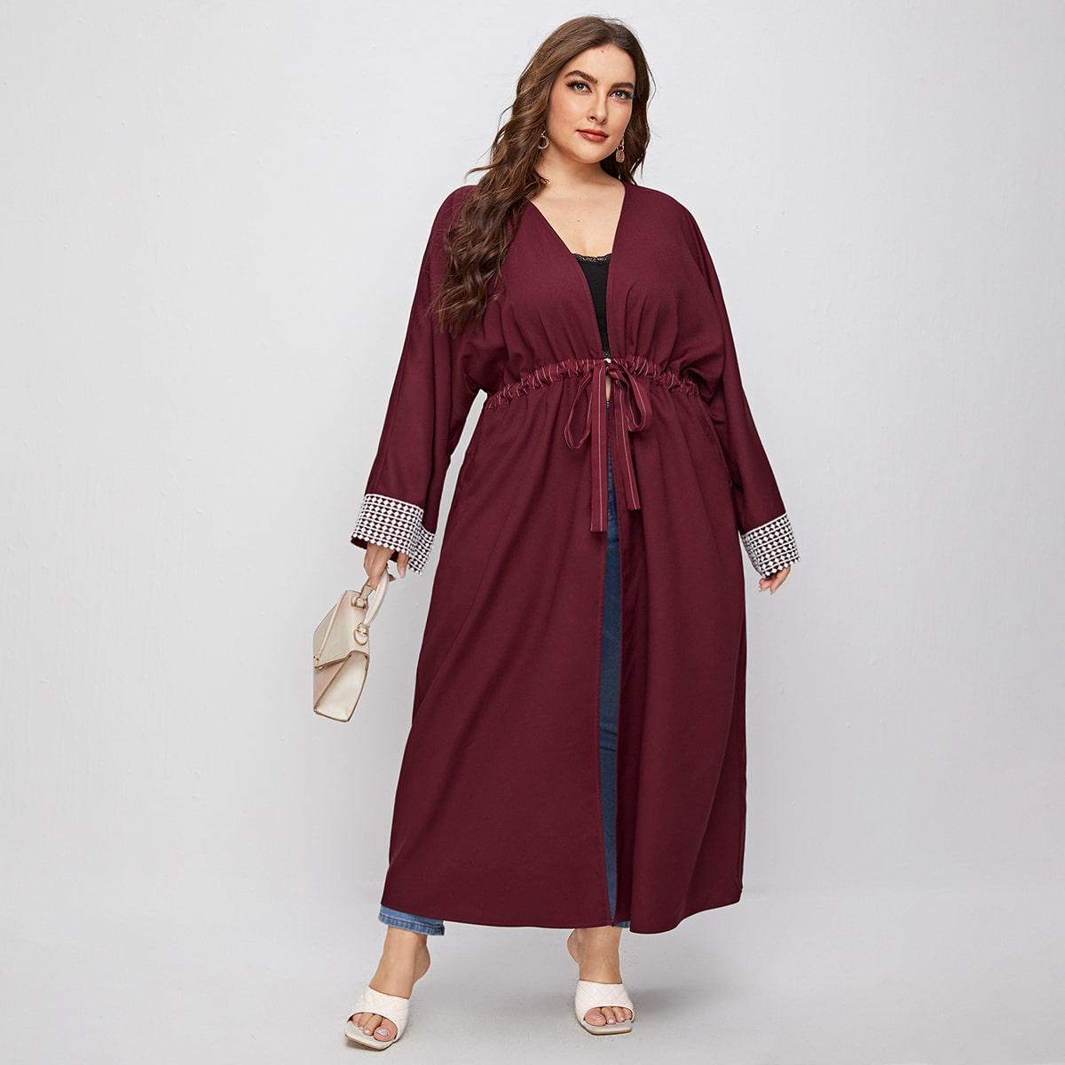 Кимоно размера плюс на кулиске с кружевной отделкой