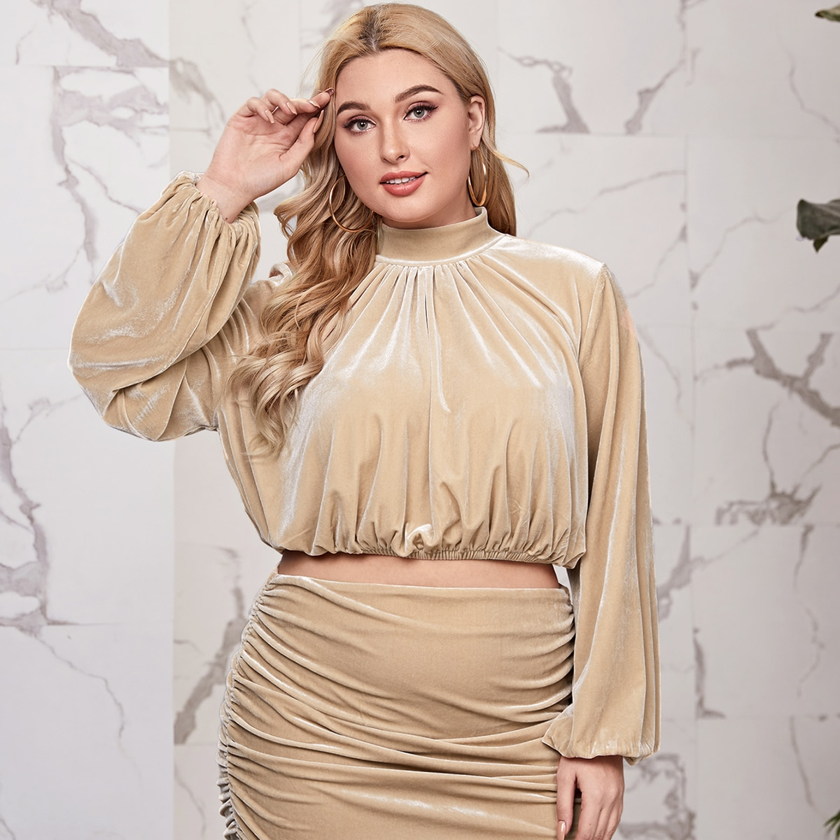 SHEIN / Plus Lantern Sleeve Velvet Top & Ruched Skirt Set