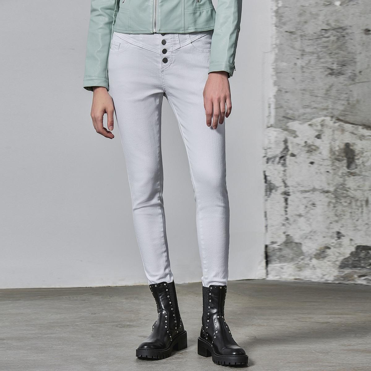 Облегающие неэластичные джинсы