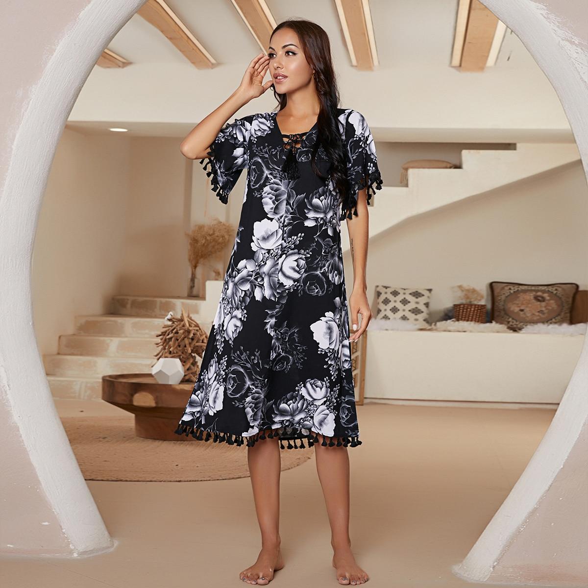 Пижама с бахромой и цветочным узором