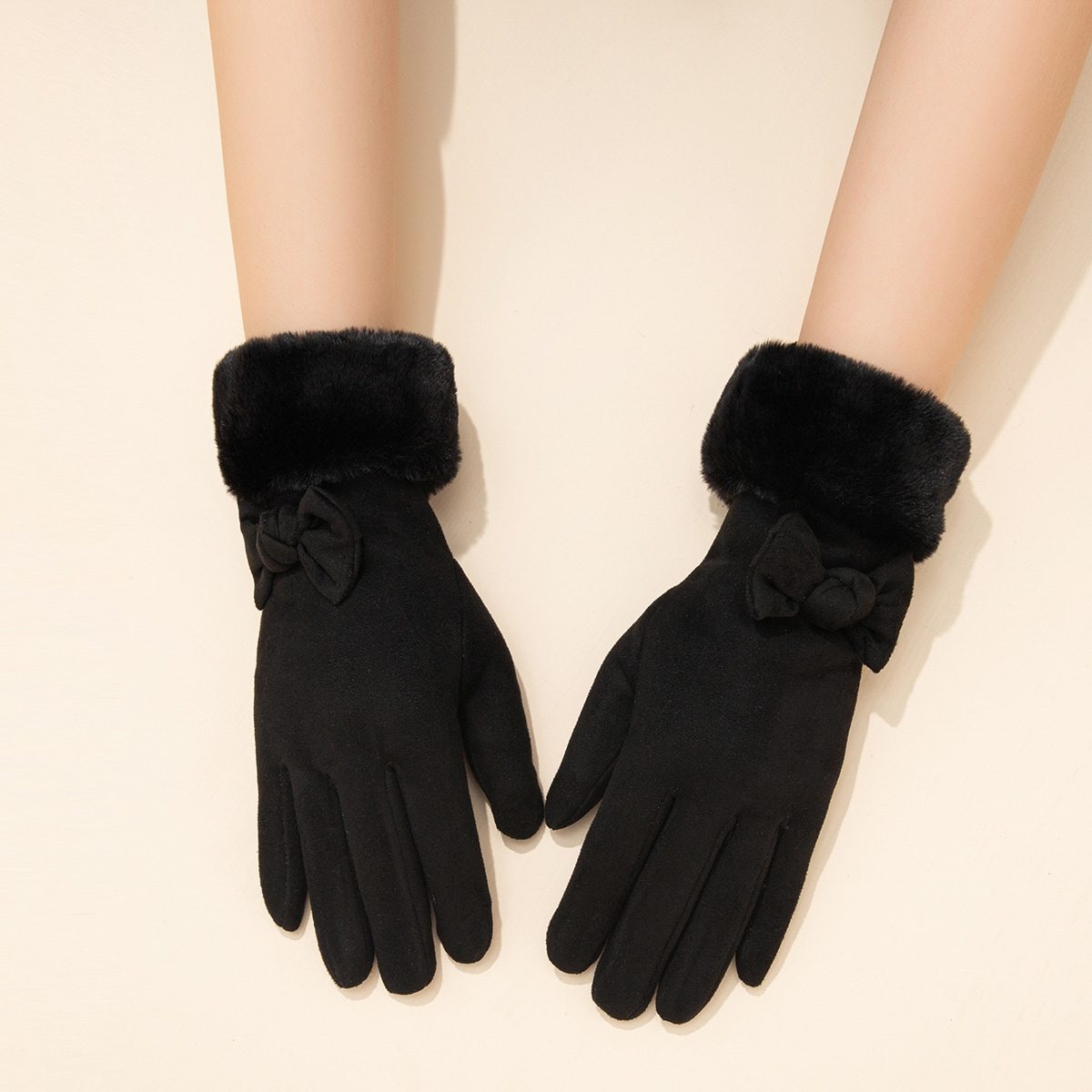 Однотонные перчатки с бантом