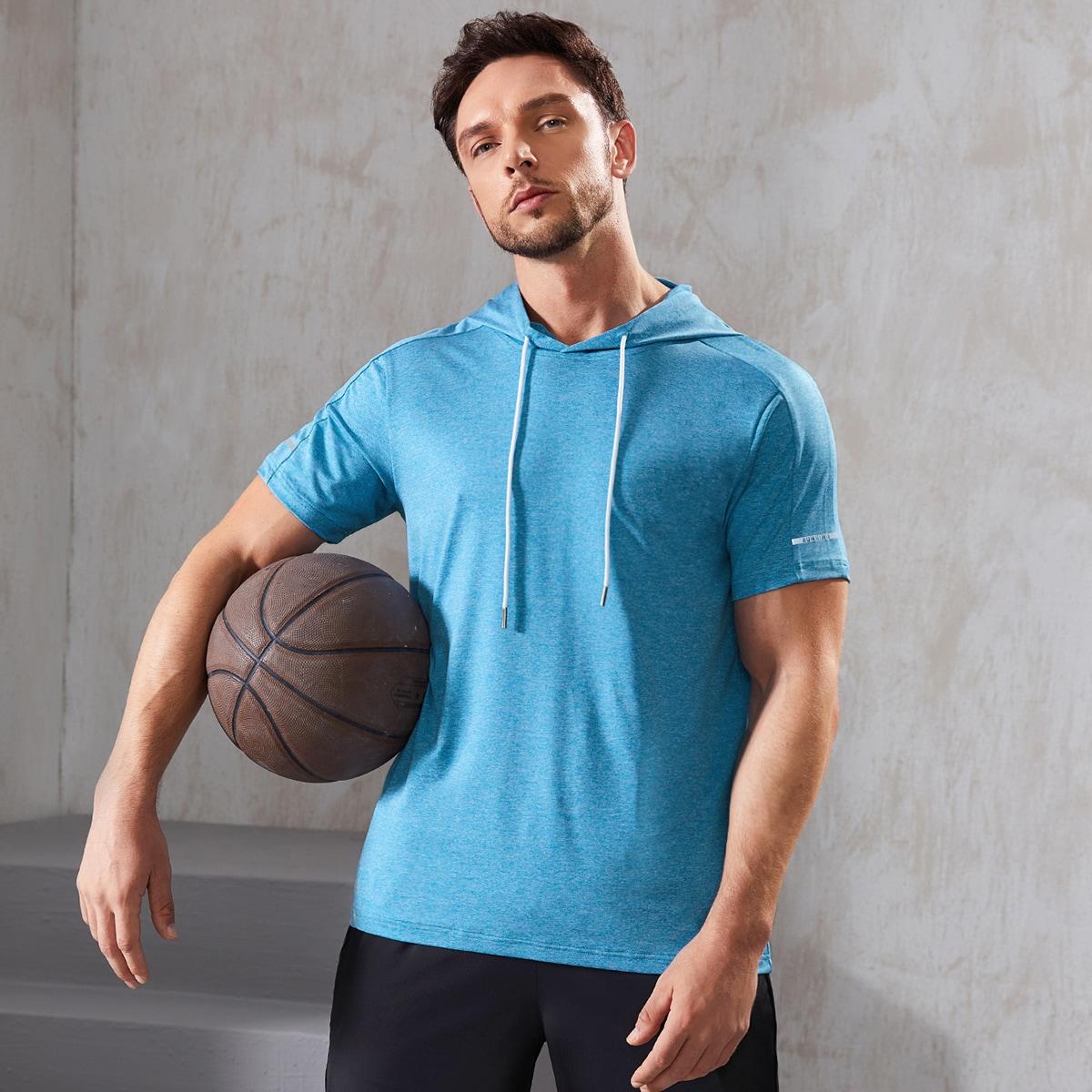 Мужская однотонная спортивная футболка с капюшоном