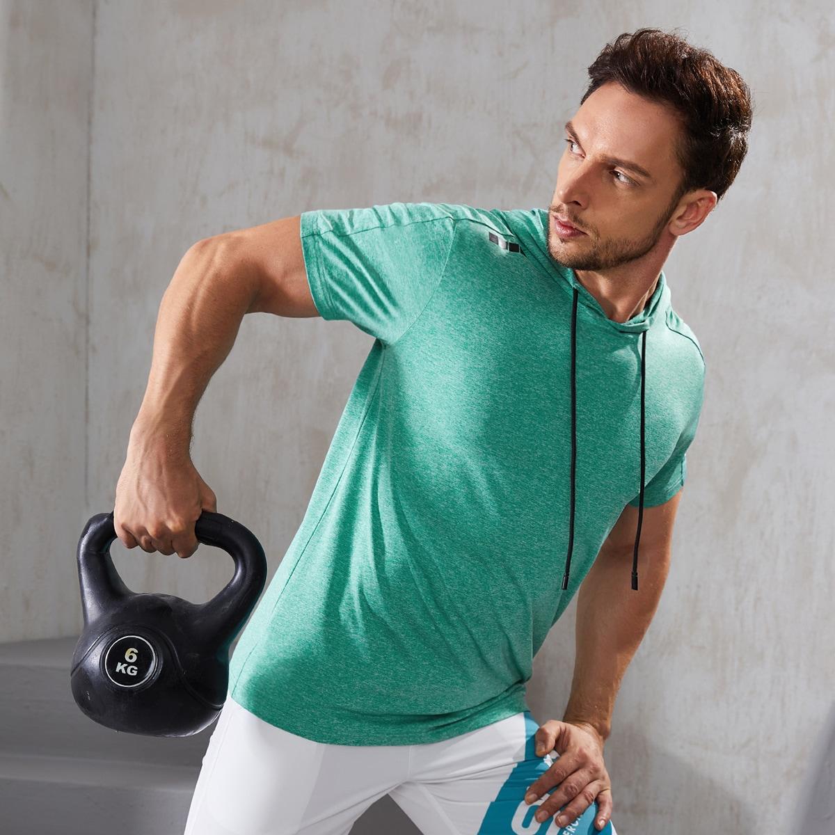 Мужская спортивная футболка с капюшоном в полоску