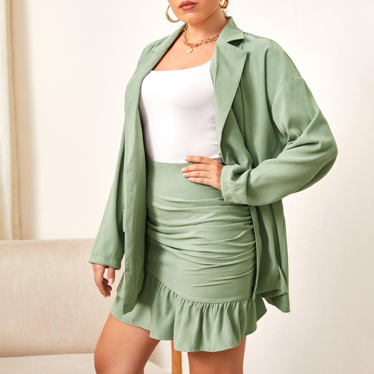 Пиджак и юбка размера плюс