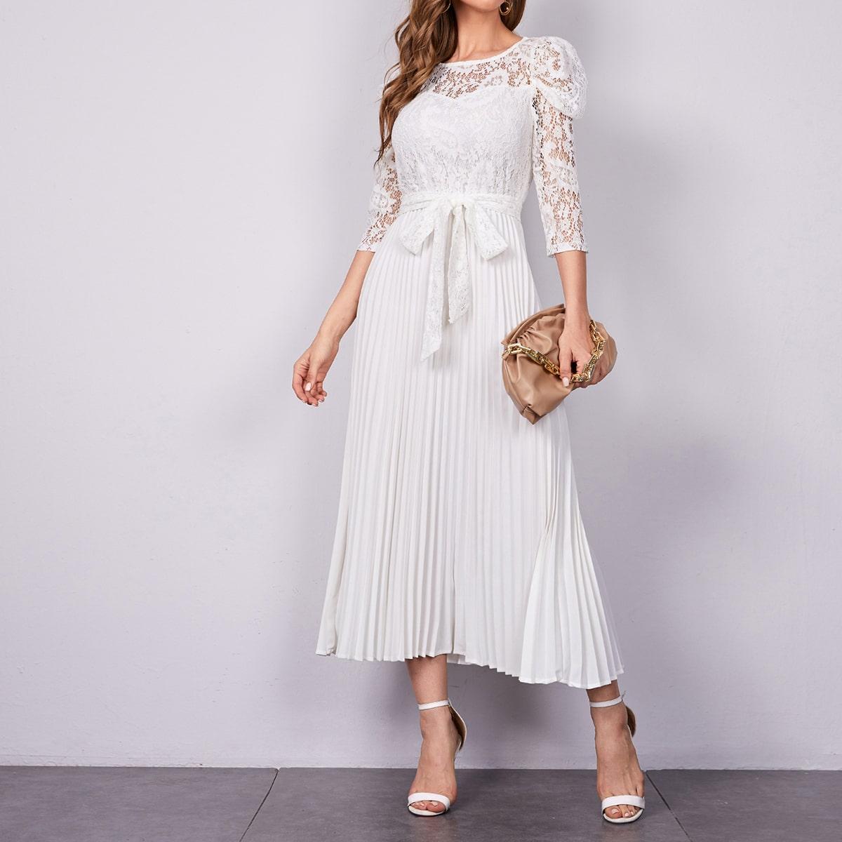 Кружевное плиссированное платье с поясом