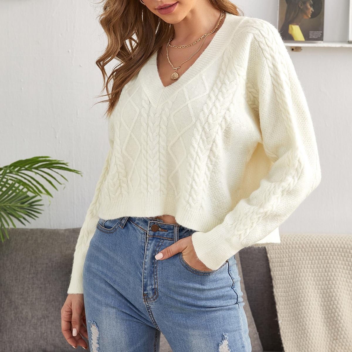 Трикотажный короткий свитер с рукавом-регланом