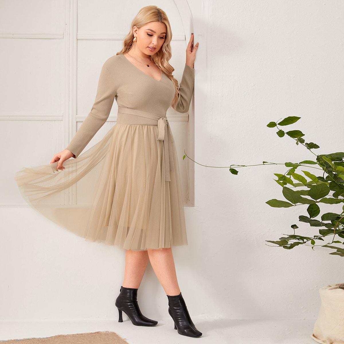 Сетчатое платье-свитер размера плюс с поясом и v-образным воротником