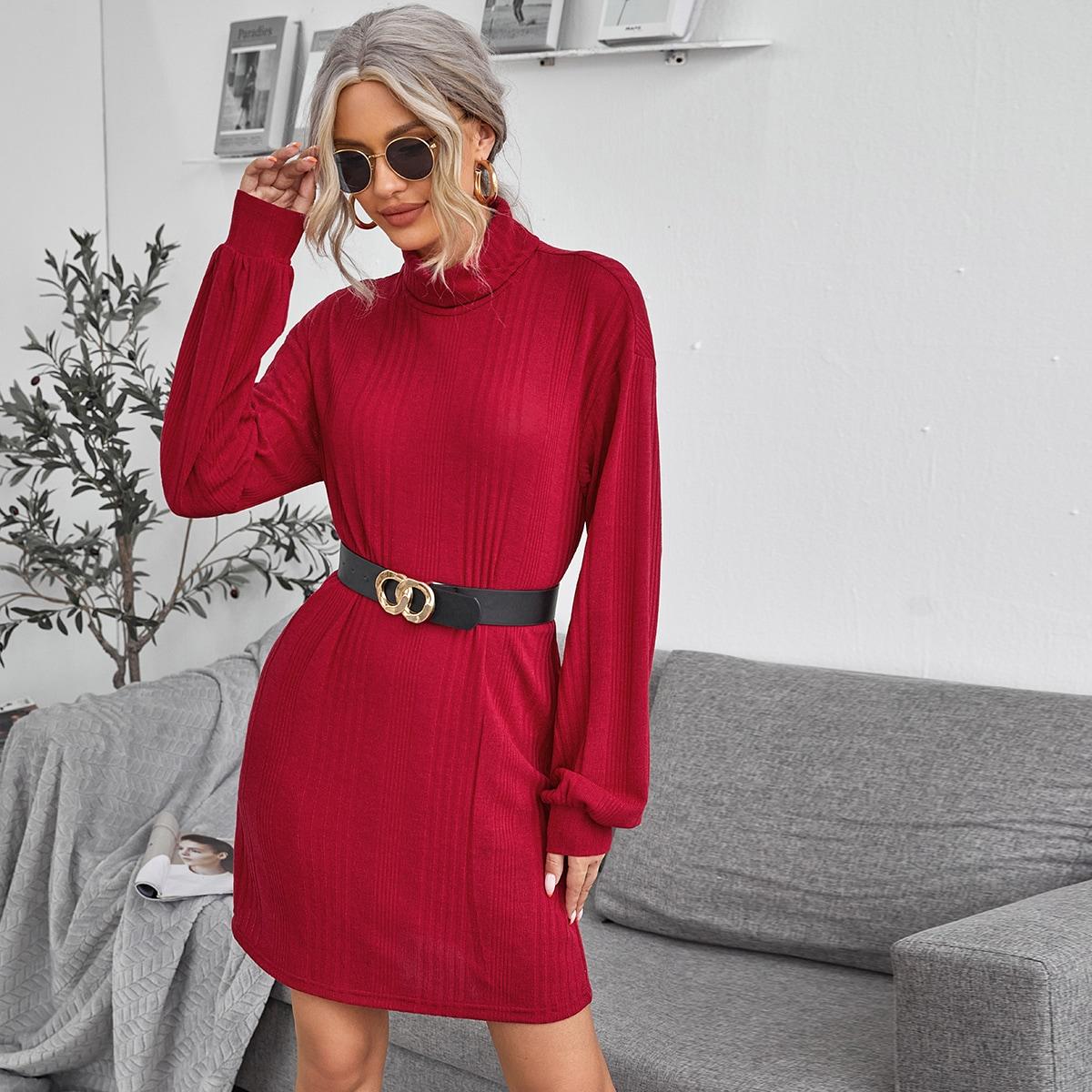 Вязаное платье в рубчик без пояса