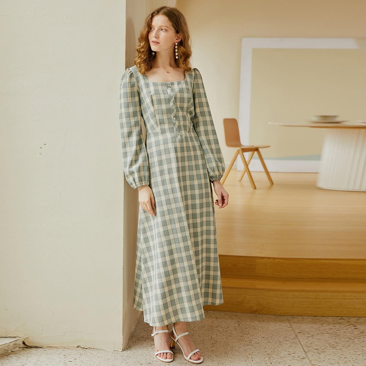 Платье в клетку с квадратным воротником
