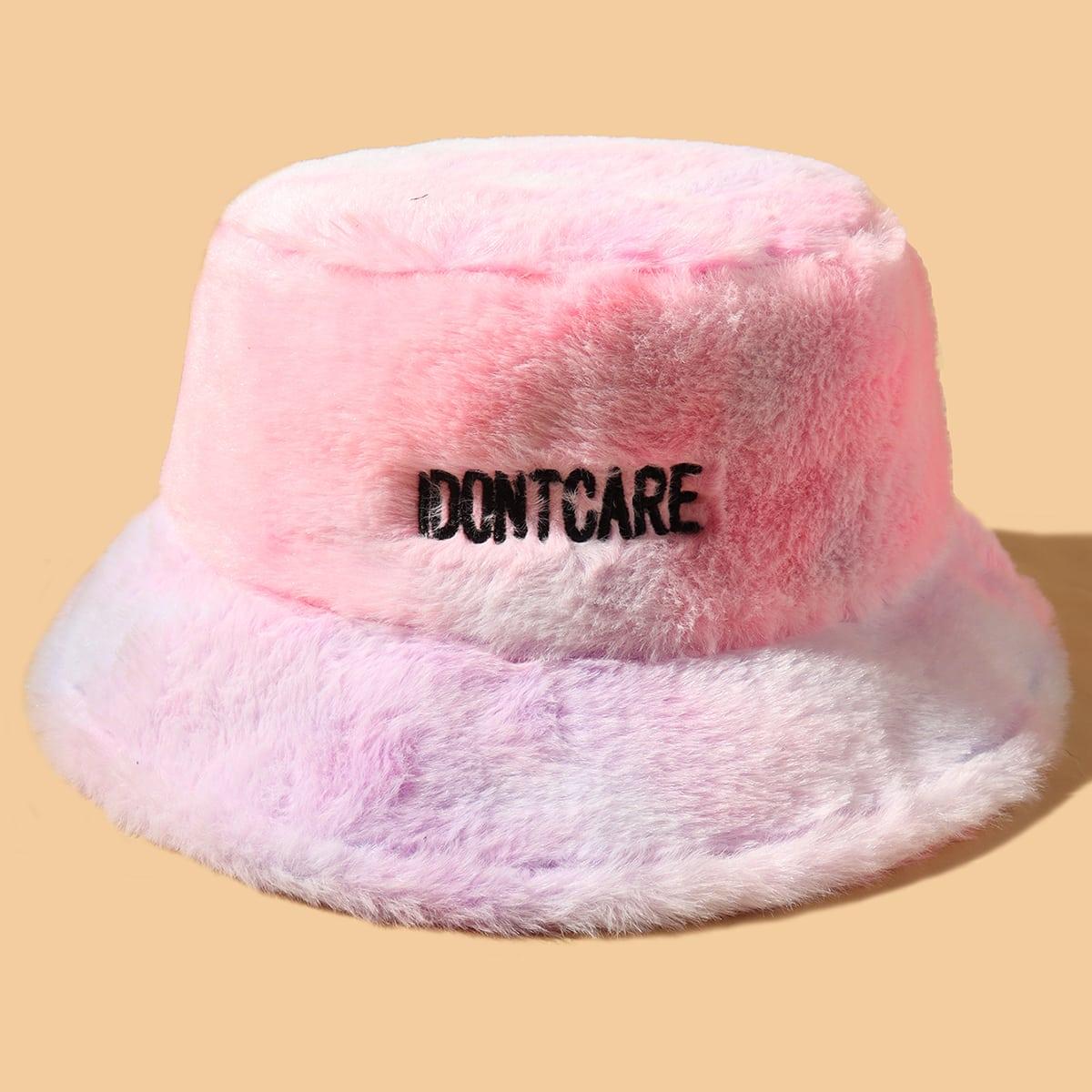 Плюшевая шляпа с текстовой вышивкой