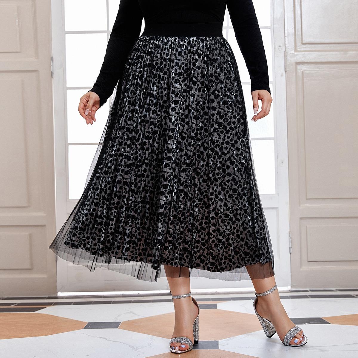 Сетчатая плиссированная юбка размера плюс с принтом