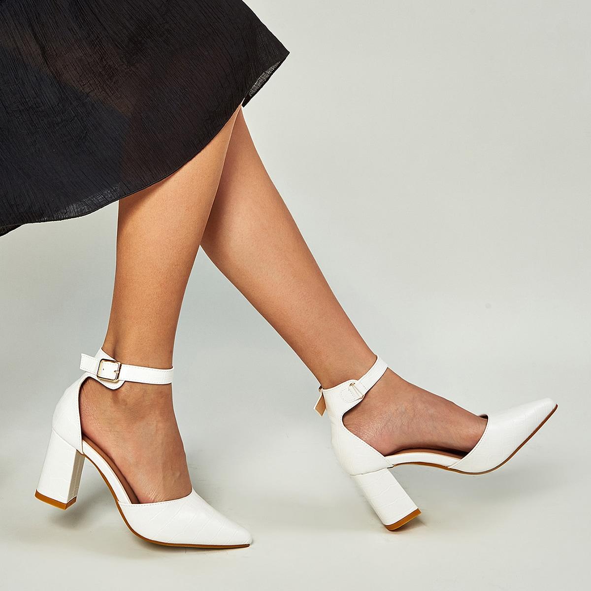 Туфли на среднем каблуке с крокодиловым узором