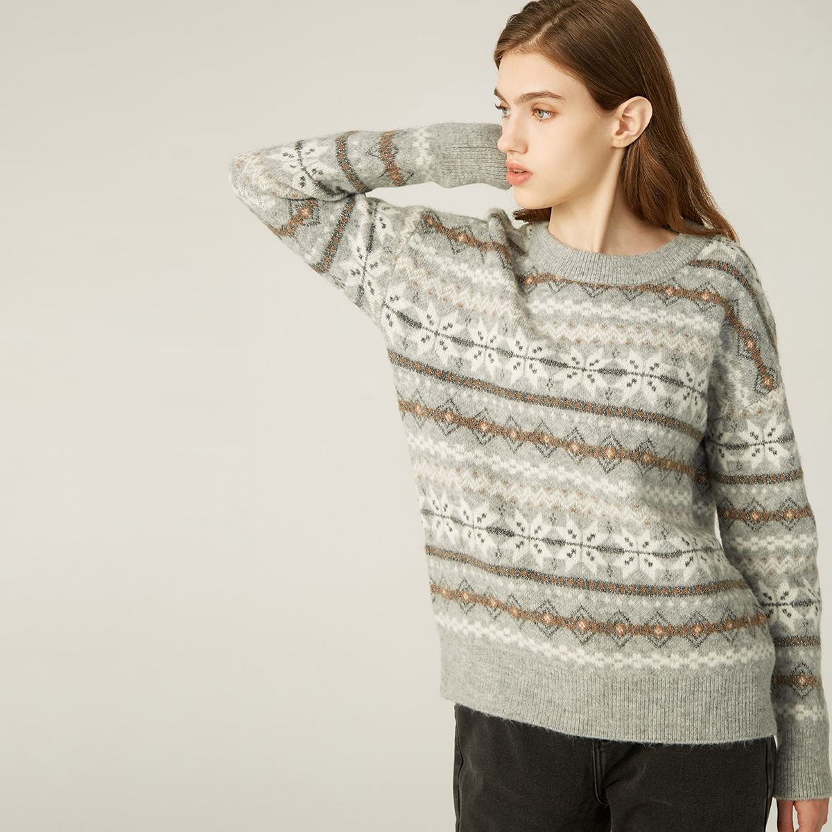 Акриловый свитер с узором снежинки