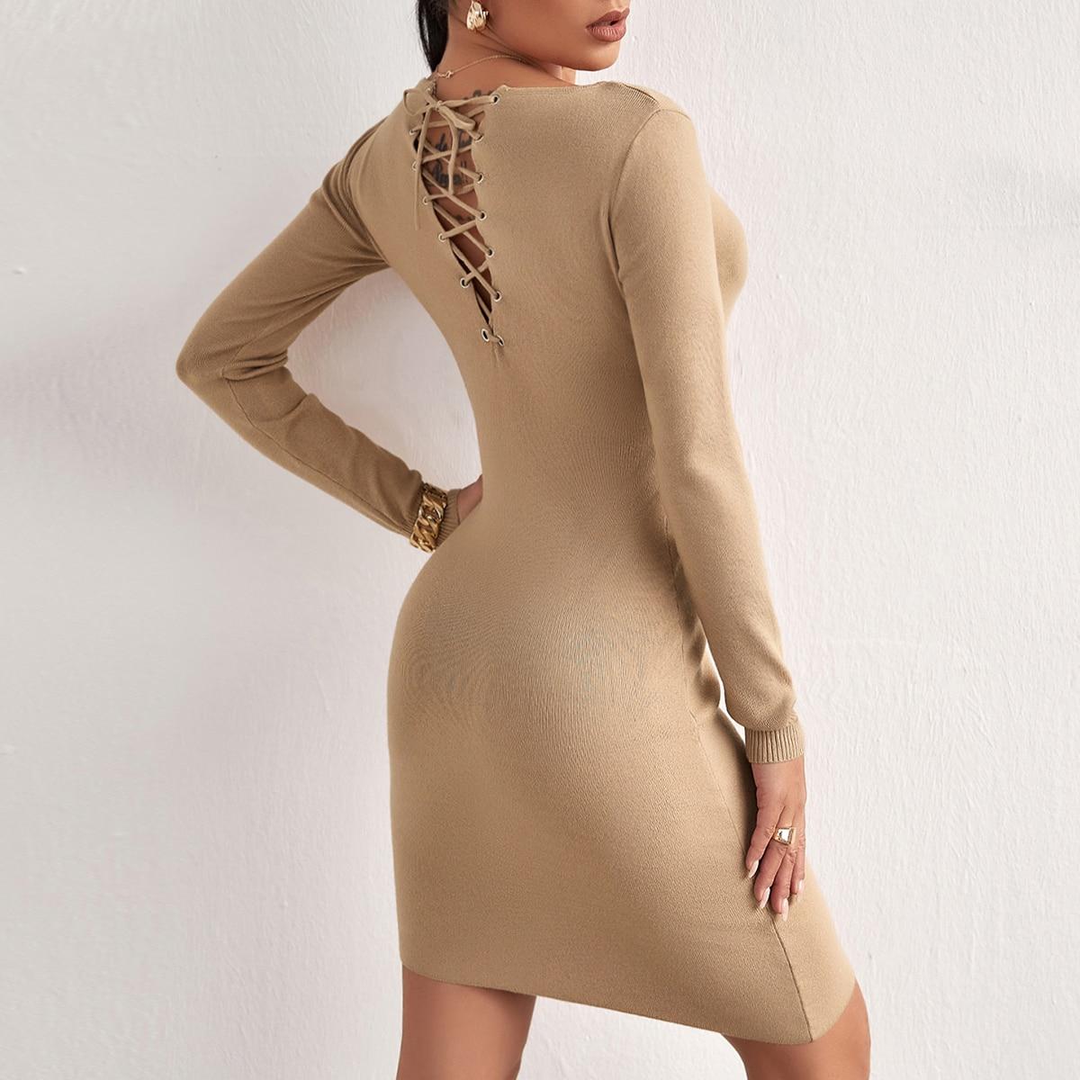 Облегающее платье на шнуровке сзади