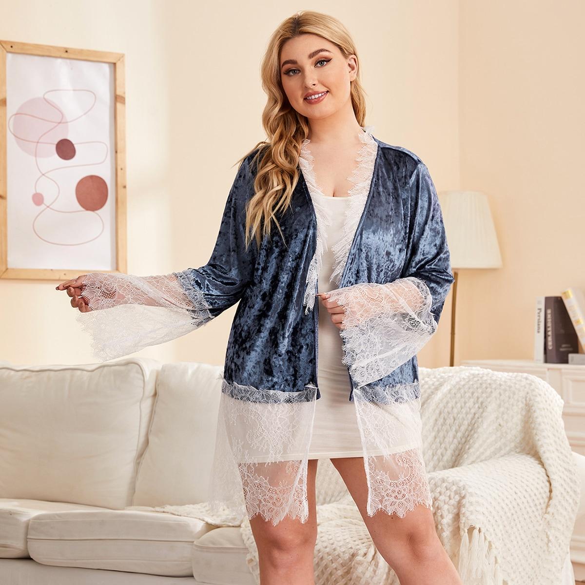 Бархатный халат для сна размера плюс с кружевной отделкой