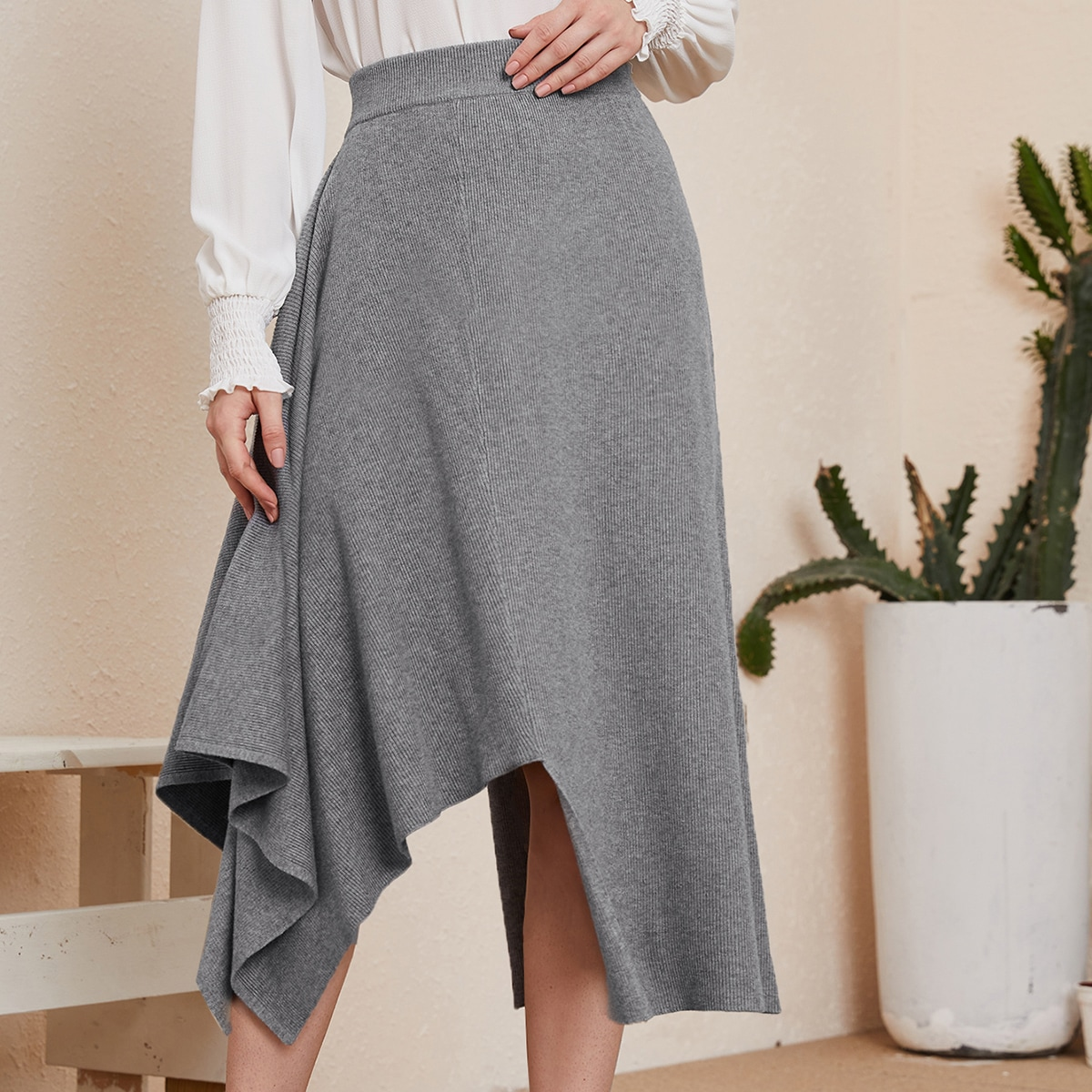 Асимметричная трикотажная юбка