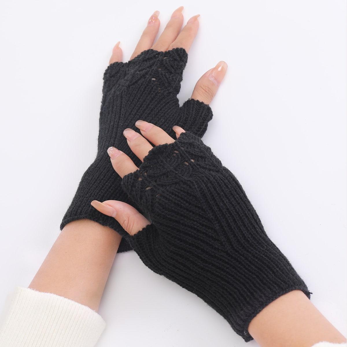 Вязаные перчатки с открытыми пальцами