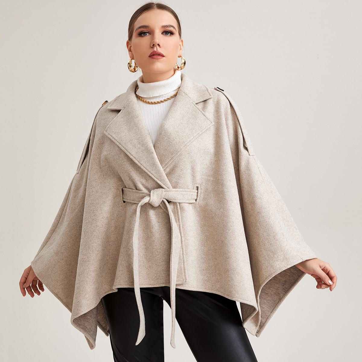 Пальто-накидка размера плюс с поясом и пуговицами