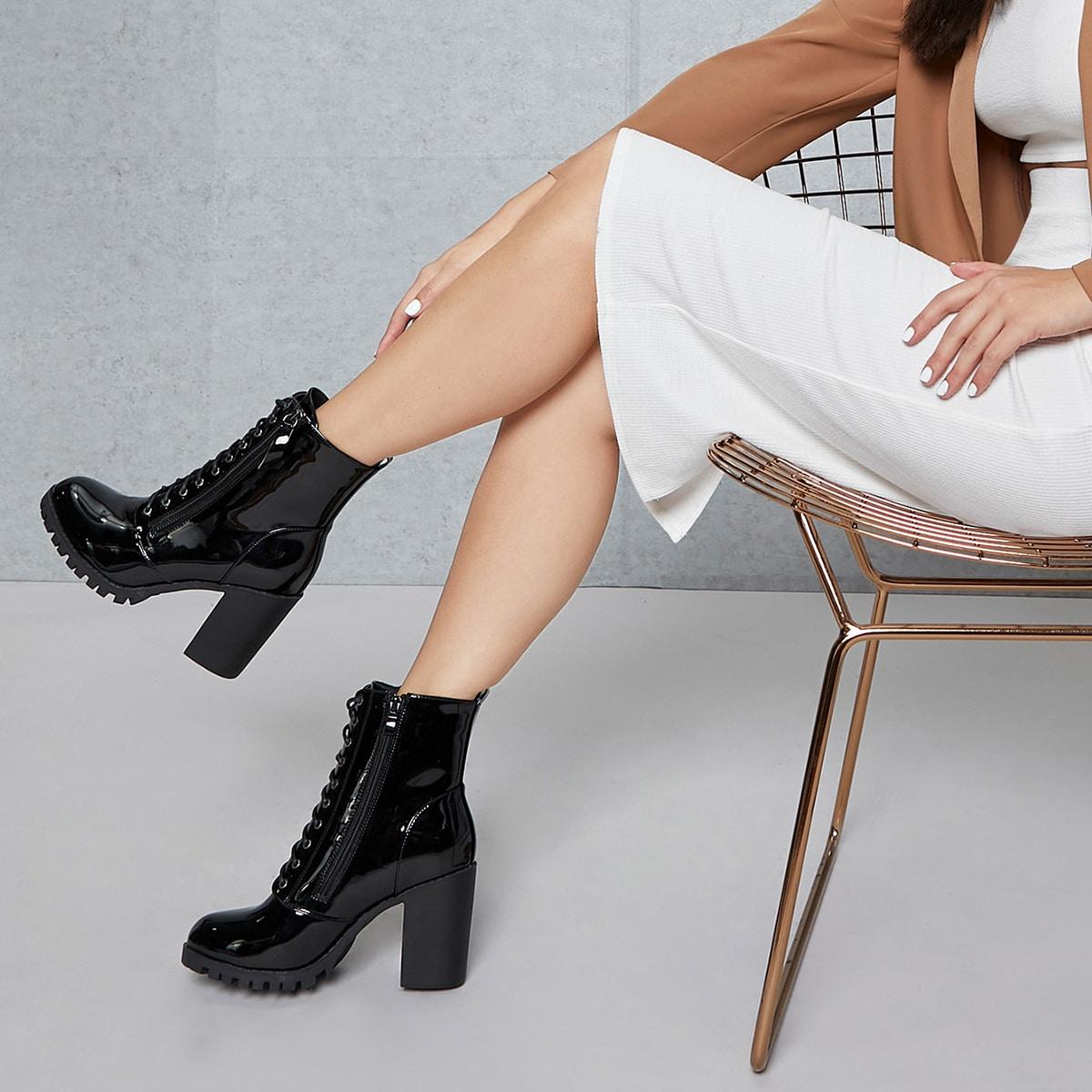 Ботикни на каблуке из искусственной лакированной кожи