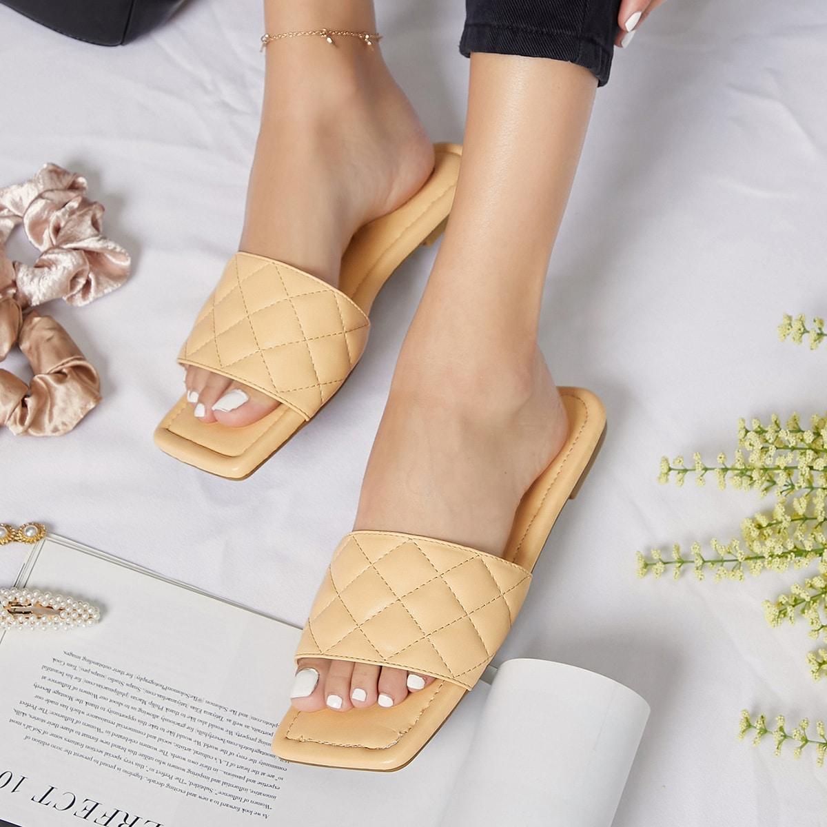 Стеганые сандалии из искусственной кожи