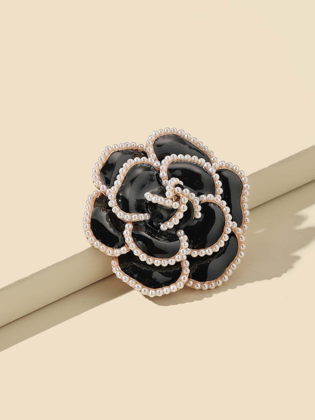 Faux Pearl Flower Brooch thumbnail