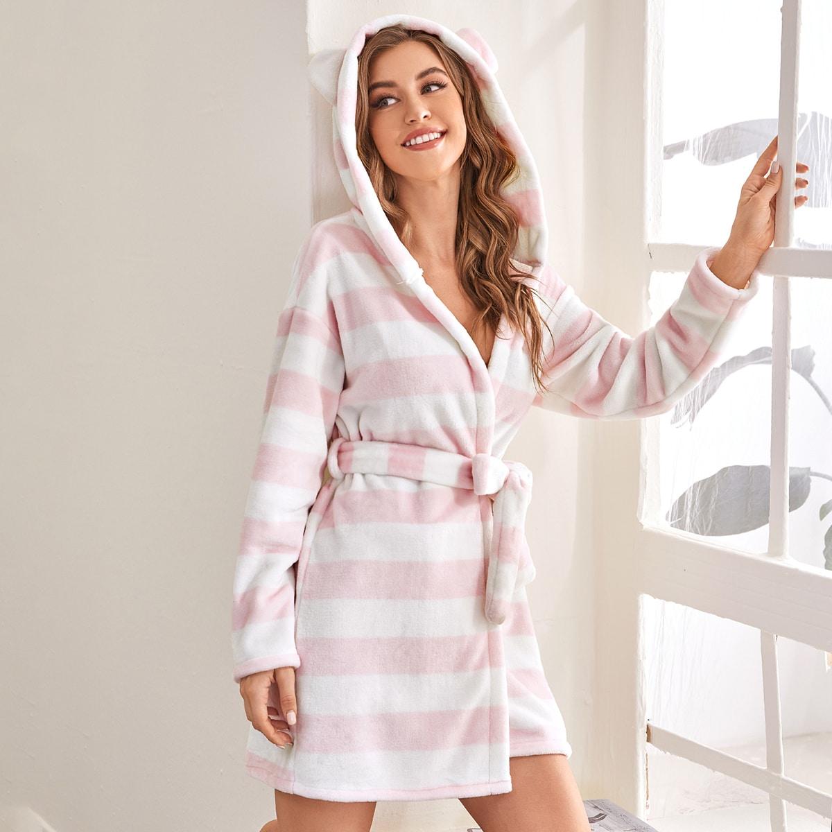С поясом полосатый милый халат