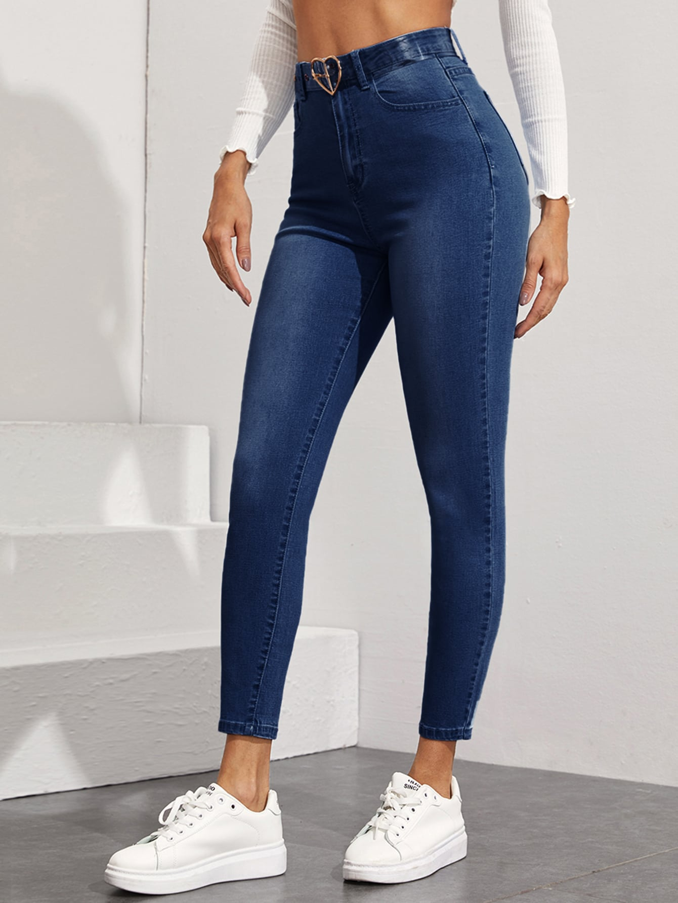 Stonewash Skinny Jeans Without Belt thumbnail