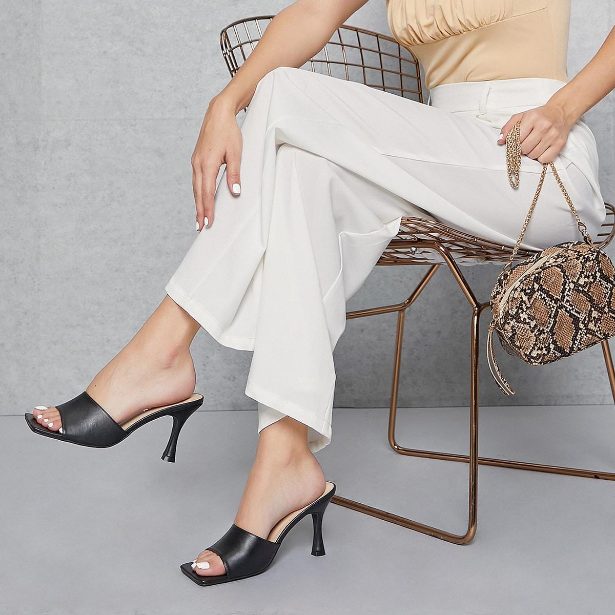 Туфли на шпильках из искусственной кожи