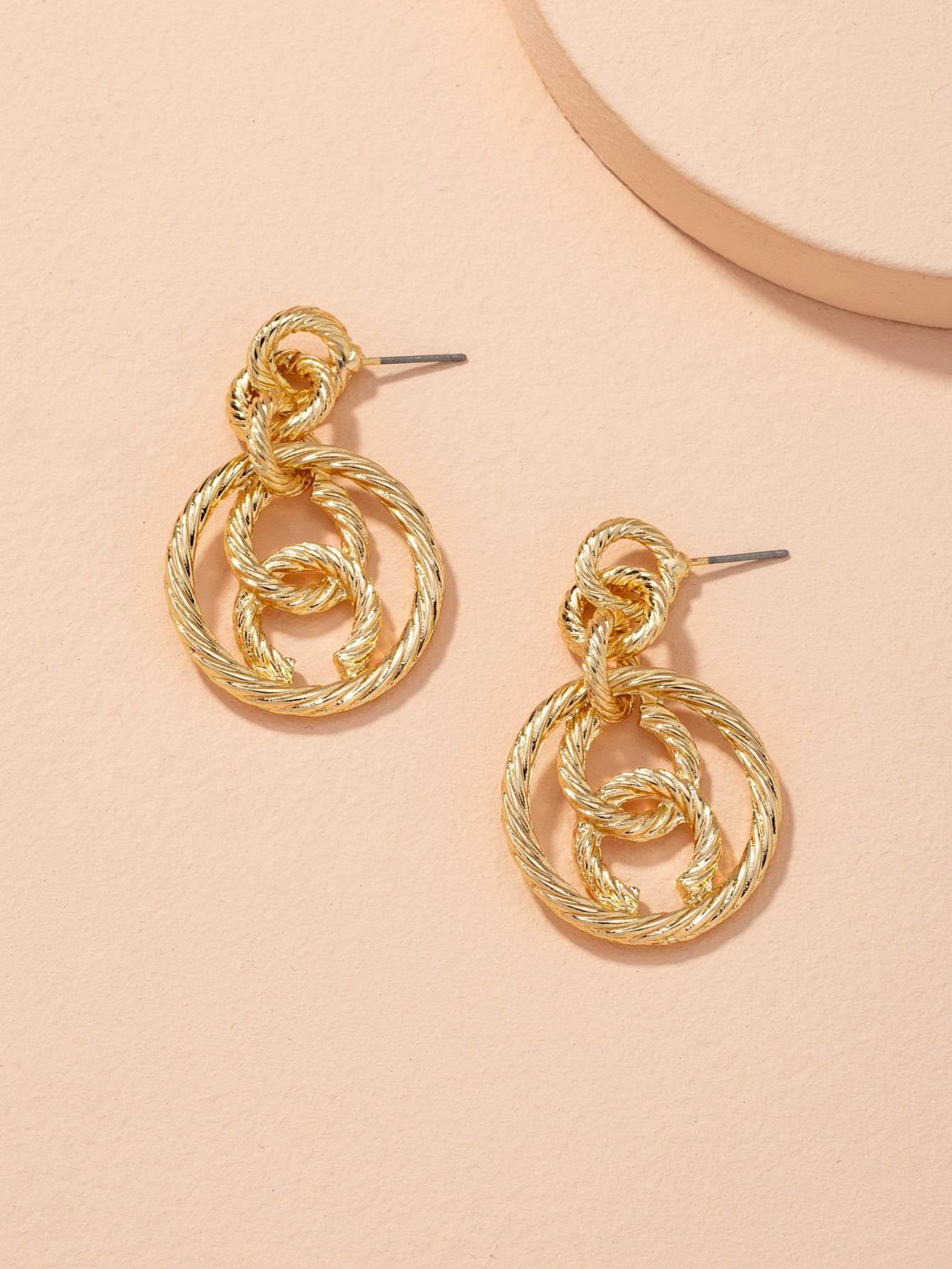 Circle Link Earrings thumbnail