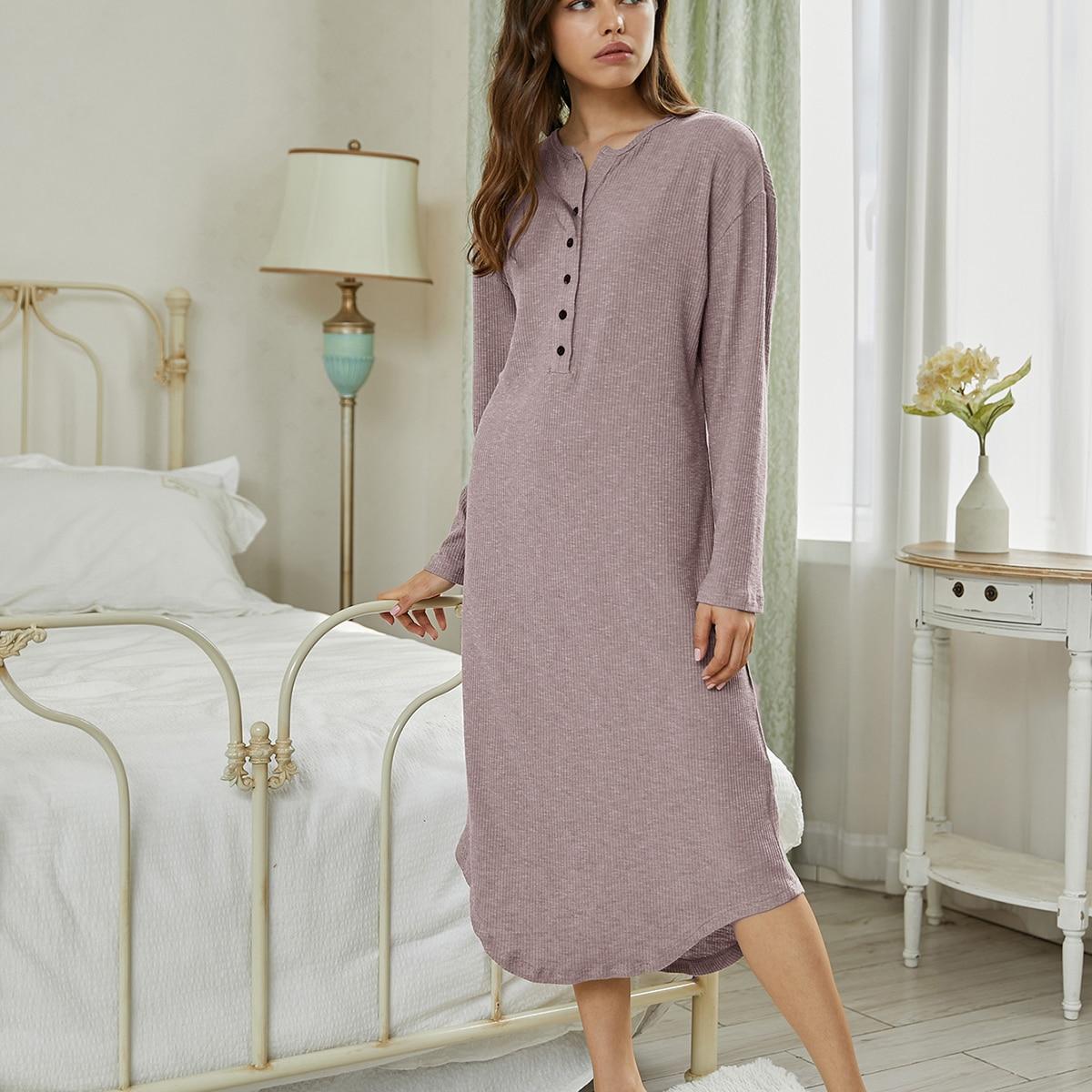 Вязаное домашнее платье в рубчик с пуговицами