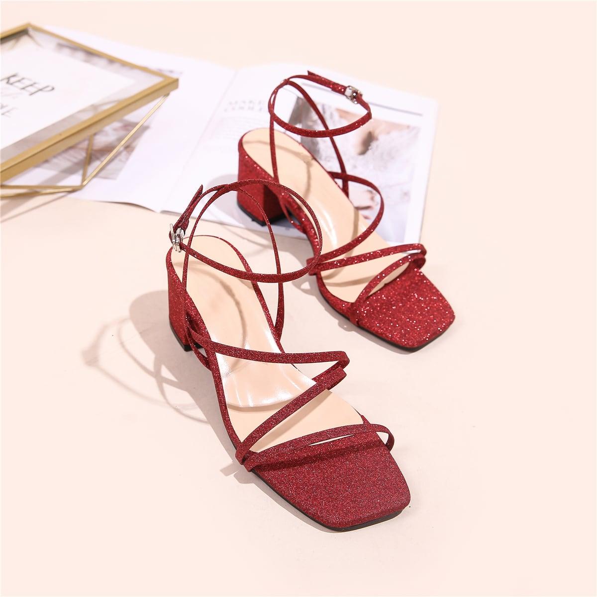 Блестящие сандалии на массивном каблуке
