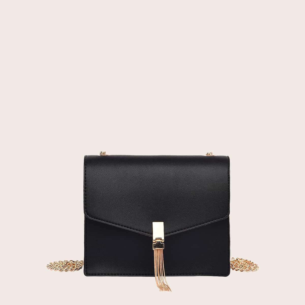 Квадратная сумка на цепочке с бахромой